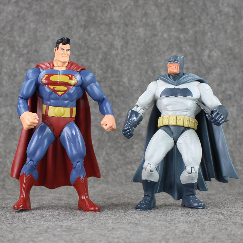 2pcs/Lot New Dawn of Justice Batman VS Superman Action Figure PVC Figure Set Collectibles Model Toy 4 200 4 200 500
