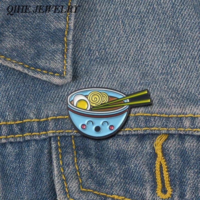 QIHE bijoux nouilles émail épingles souriant Ramen bol broches alimentaire épinglettes Style japonais Badges femmes bijoux