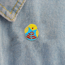 Cartoon Fledgling Bird leaf Owl Animal Icon Pin Button Jacket Backpack Pin Badge Jewelry Metal Enamel Brooch Gift For Mom(China)