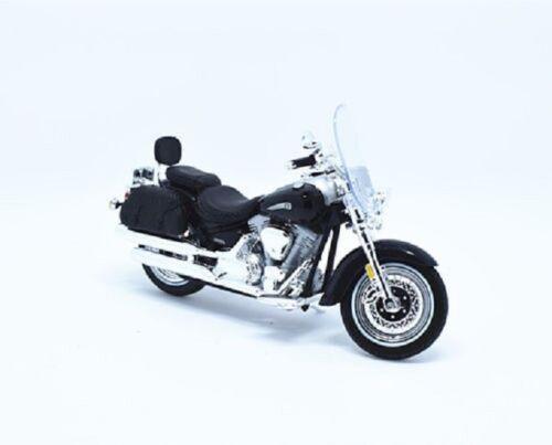 Model Scale 1:18 Maisto YAMAHA 2001 ROAD STAR SILVERADO Motorbike