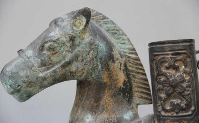 """S0524 scy jp 16 """"قديم الصينية وعاء زهرية البرونزي الشعبية الحيوانية زودياك السنة الحصان النحت تمثال"""