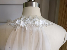 New Arrive 2m Cut Edge Comb White Long Bridal Veils Cut Edge White One Layer Lace beaded pearls Wedding Veils