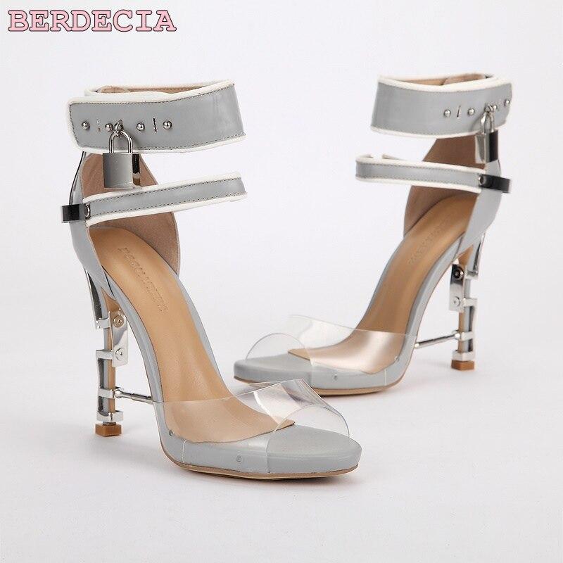 Multi Sandaletten Neueste Dekoration Brown Platz Metall Transparent Heel Metall Sandalen purpurrot farbe grau sperre Verziert Damen 2017 Hohe Mit Qualität qEgTdqa