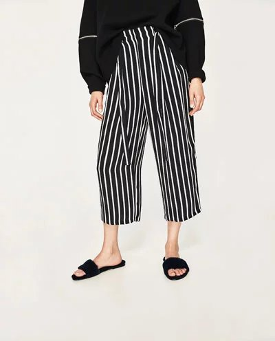 590b9ab8526150 2017 Latest Trends Woman Black White Striped High-rise Culotte Trousers  With Pleats - Wide-leg Pants With Bow Belt Side Pockets