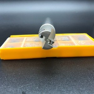 Image 4 - 10 pçs apmt1135 m2 + 1 pçs 16mm fresa 300r C16 16 150 2T duro cnc fresa ferramenta de carboneto inserção torno cortador