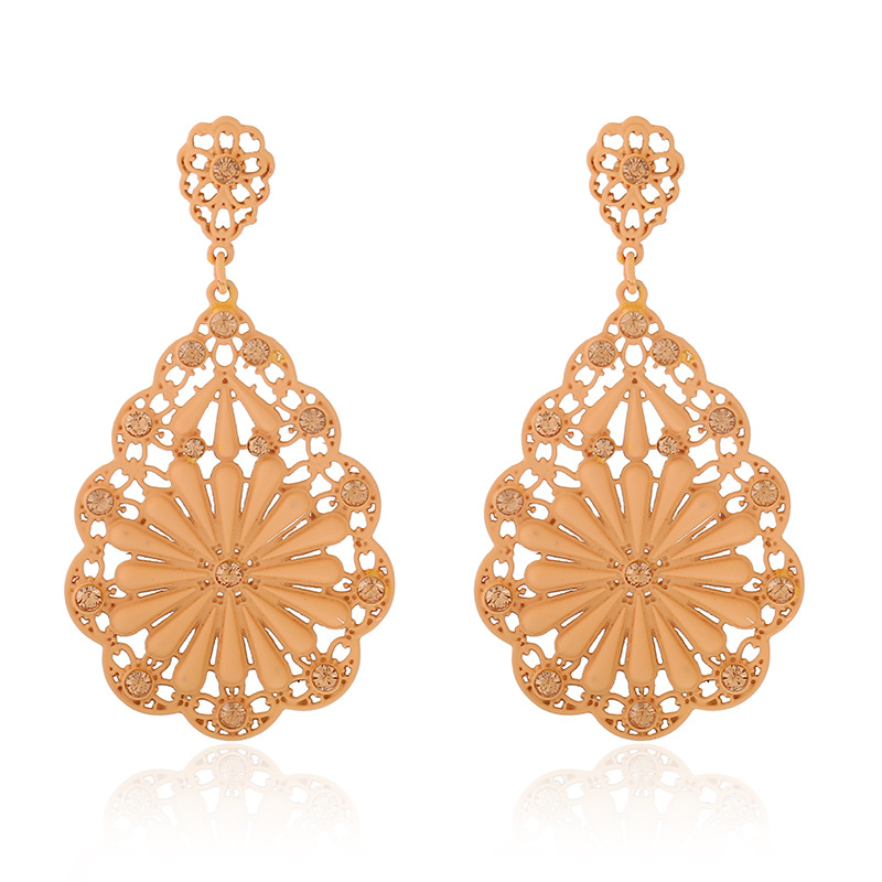 2018 New Brincos Boho Indian Jewelry Hollow Out Ethnic Style Multi Color  Rhinestone Stud Earrings for Women Gift 1E445-in Stud Earrings from Jewelry  ... bf041bca3928