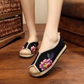 2016 Floral Print Retro Women Shoes Slip On Plimsolls Embroidery National Wind Flat Stitching Casual Loafers Lady Driving Flats