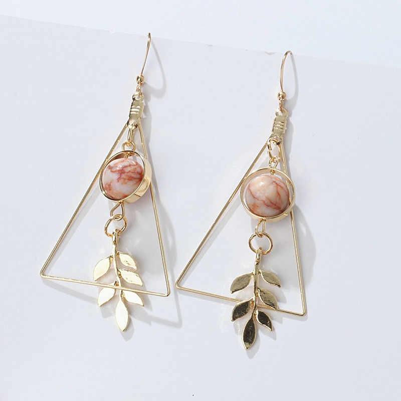 Bella retro del triangolo di disegno senso di foglia cava di marmo perline orecchini Orecchini Per Le Donne Orecchini Gioelleria raffinata e alla moda 2017
