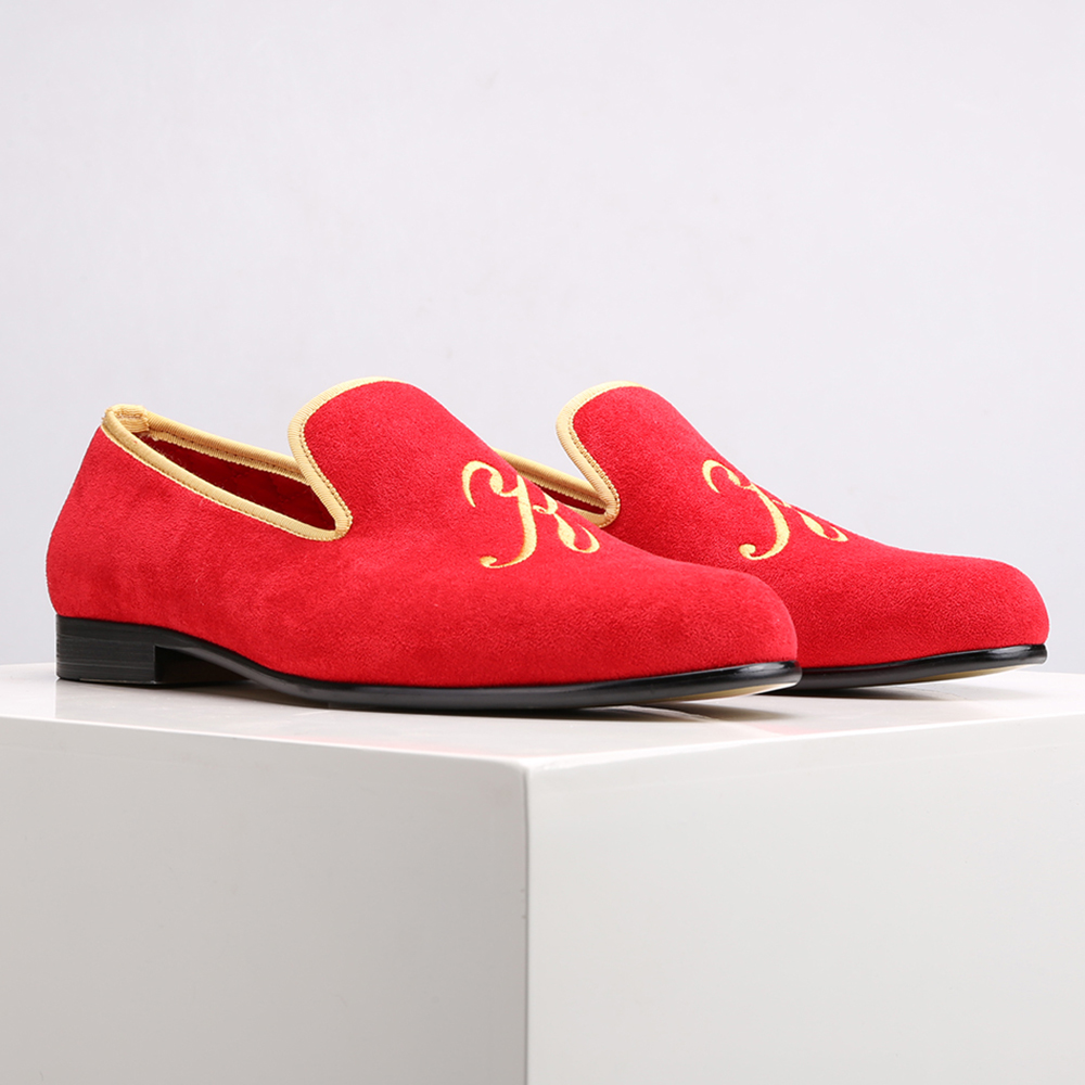 Piergitar 2019 nuevo estilo zapatos de gamuza para hombre con letras de personalidad personalizadas bordadas boda y baile de graduación mocasines para Hombre Tallas grandes-in Mocasines from zapatos    2
