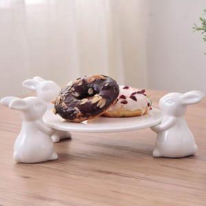 Ornament Tray Decorative Figurine Pottery Ceramic Portrait Bunny Rabbit And for Cigarette-Ash