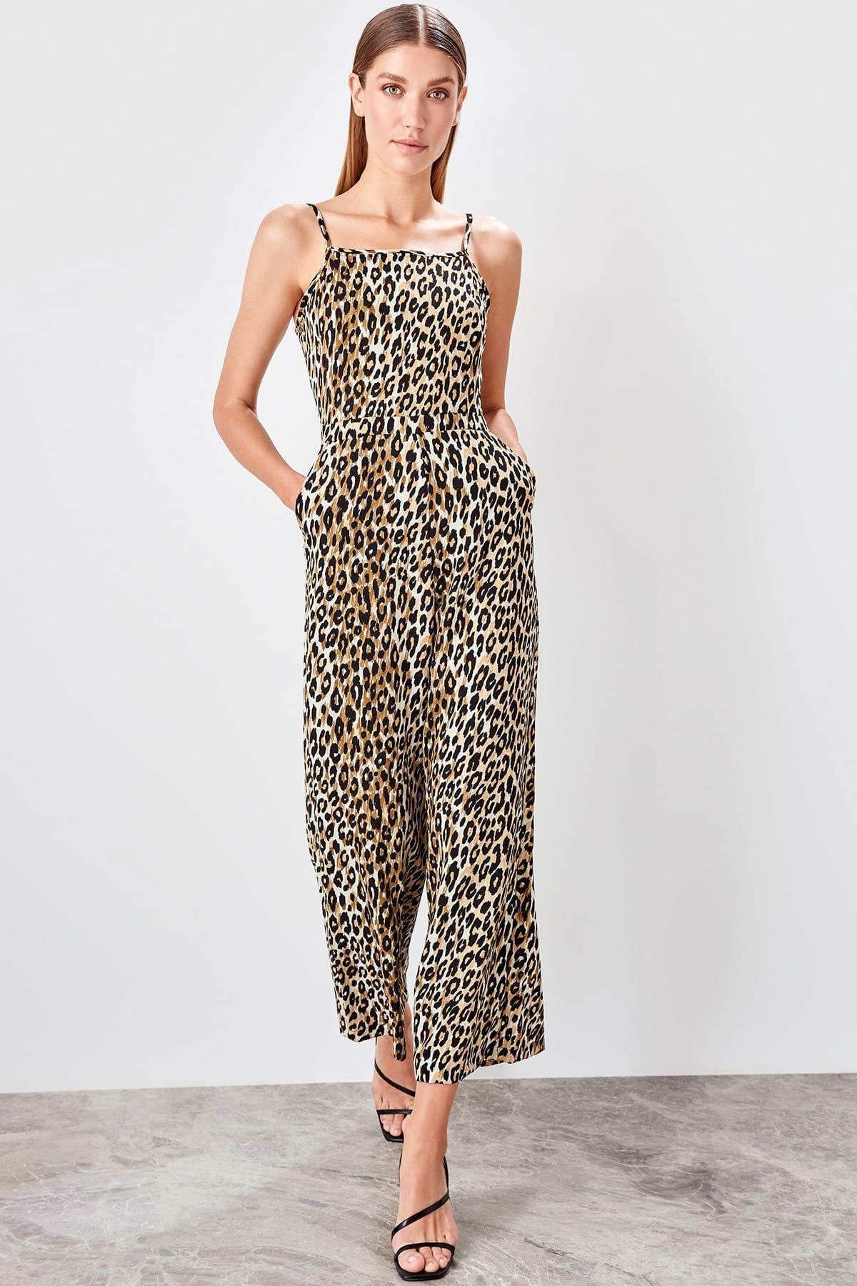 Trendyol Beige Leopard Print Jumpsuit TWOAW20TU0035
