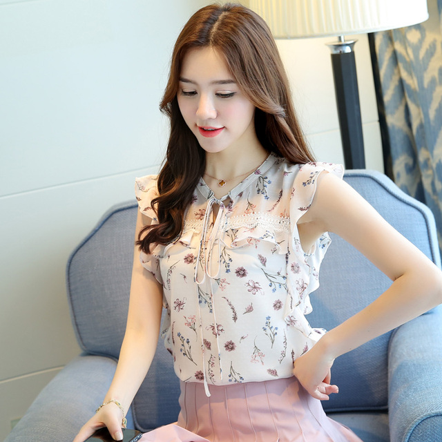 fashion women clothing 2018 new summer chiffon sleeveless women blouses casual sweet lady bow white print blouses 0111 30