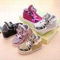 El nuevo 2016 LLEVÓ Las Luces de las Niñas Zapatos de las Zapatillas de deporte Princesa Comodidad Y Emisores de Luz de Alta Calidad Zapatos de Los Niños