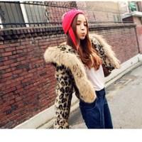 Winter Fashion Women Leopard Print Coat Casual Long Sleeve Warm Faux Fur Coat Faux Fur Collar Short Coat Outwear