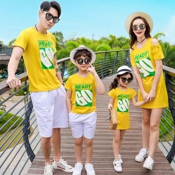 95aeb4090acb46b Летние одинаковые комплекты для семьи желтые Хлопковые Платья для ...