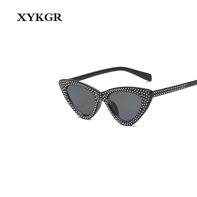XYKGR Retro sexy mulheres óculos gatinho olhos óculos moldura vermelha das  senhoras marca designer ladies sunglasses 175be77df4