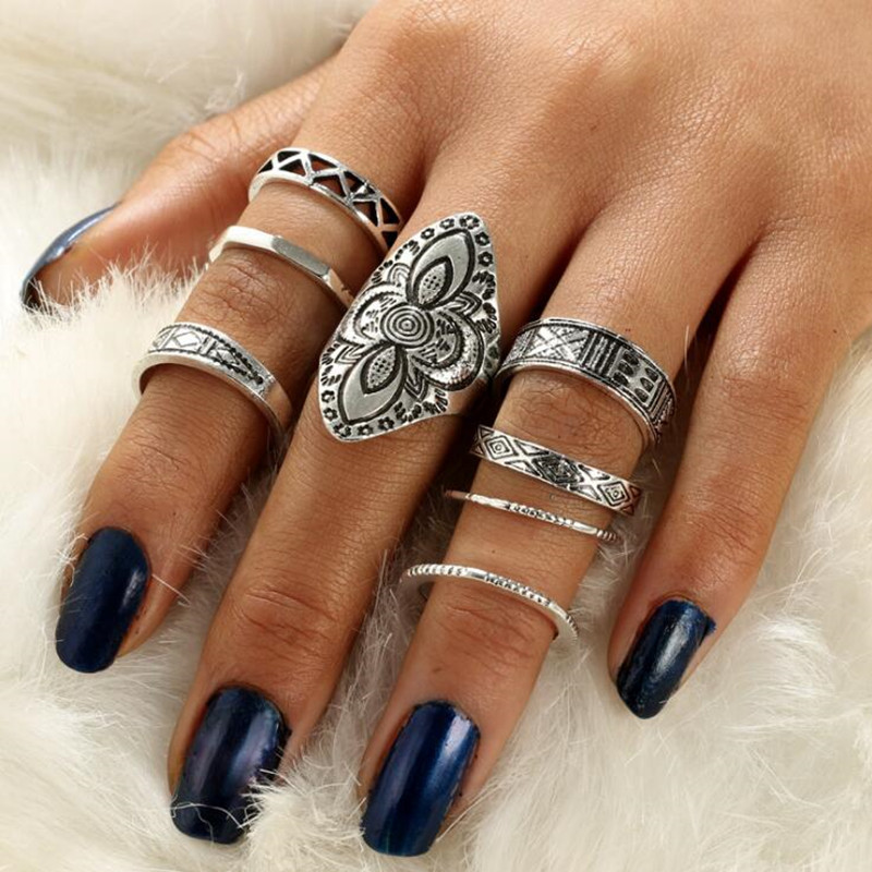 GIVVLLRY 8 pcs/Set Antique Silver Color Rings Set for Women Bohemian Totem Carved Knuckle Indian Jewelry Vintage Midi Rings