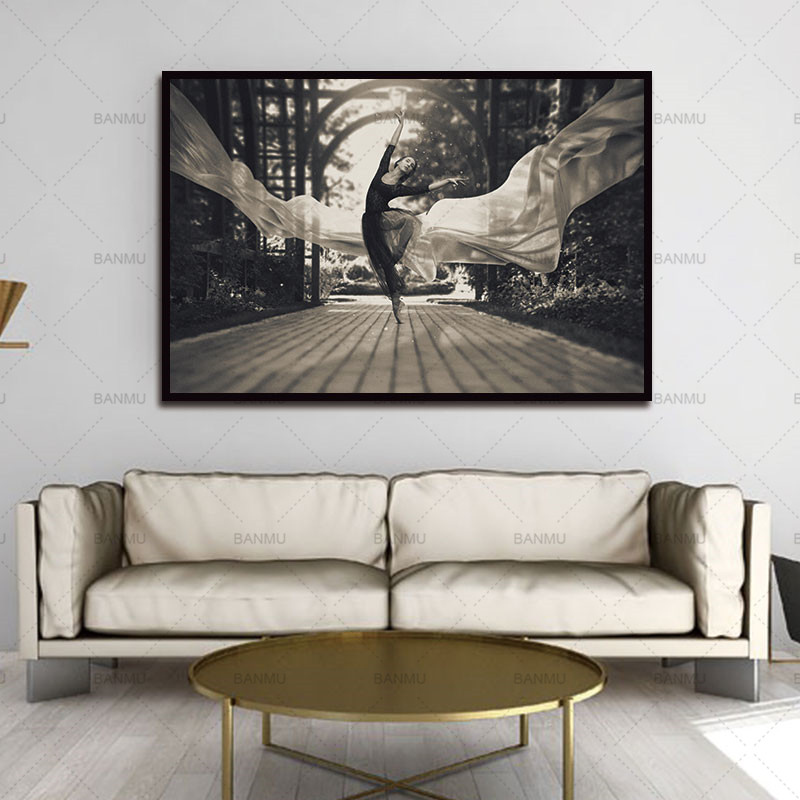 Picture wall art Black and white Dancer Figure canvas ...