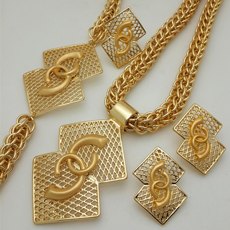 Schmuckset in gold