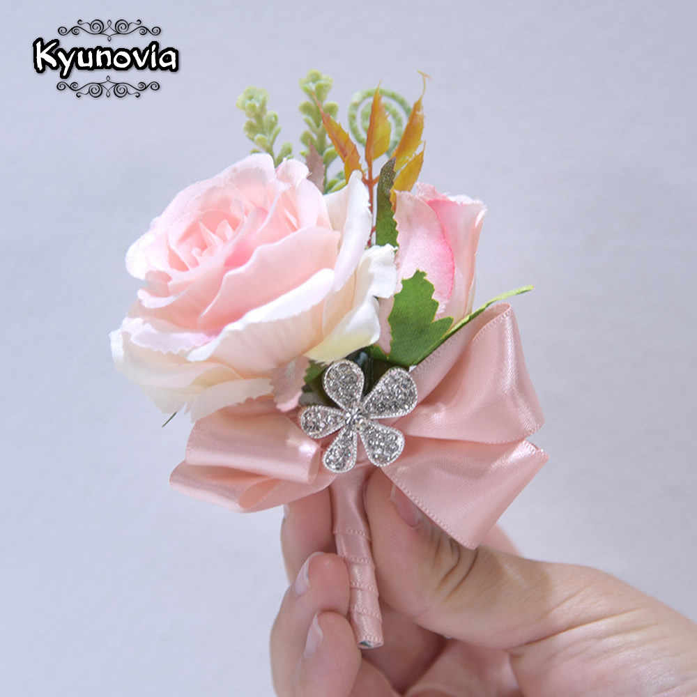 Kyunovia シルクリボン赤面ピンク、紫のバラコサージュの花新郎スーツ男性ブートニエール花嫁結婚式のコサージュ boutonnieres D41