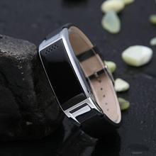ผู้หญิงคนสมาร์ทนาฬิกาA Plusนาฬิกาซิงค์แจ้งเตือนบลูทูธs mart w atchโลหะS Mart W Atchนาฬิกาข้อมือS Martbandสำหรับผู้หญิงคน