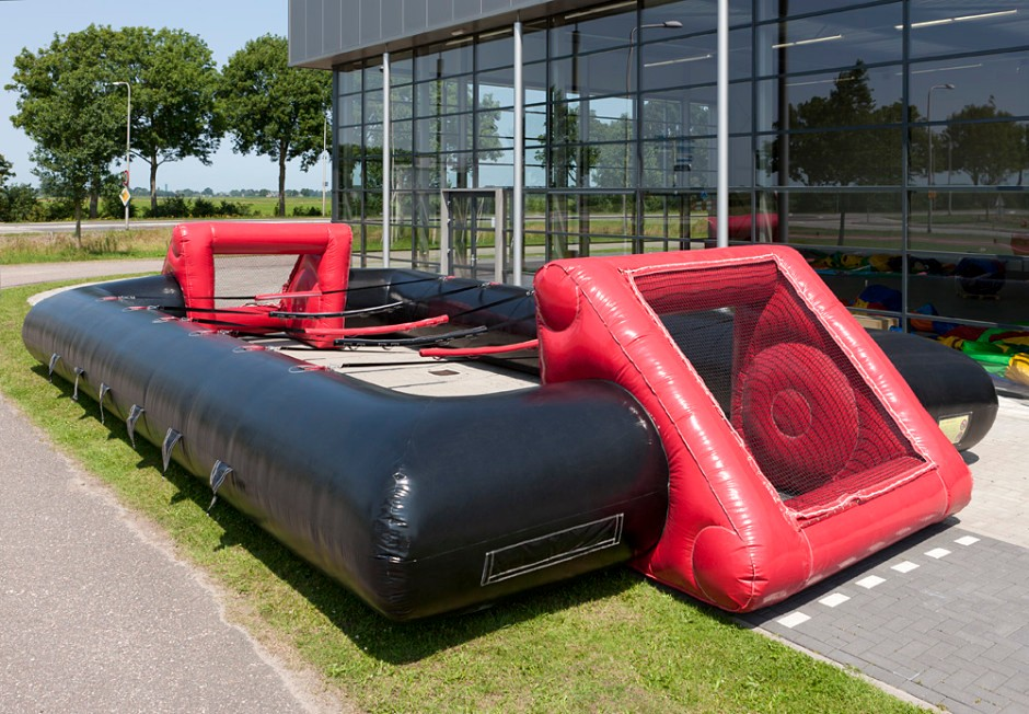 inflatable-human-table-soccer-black-red-1-940x652