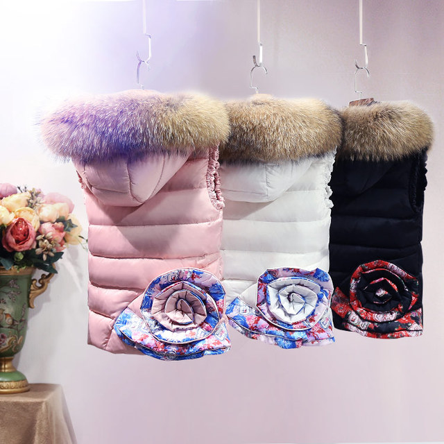 Europe Fashion Winter Down Vests Jacket Real Fur Collar Women Waistcoat Thick Short Vests with Hooded Female Casual Down Coat