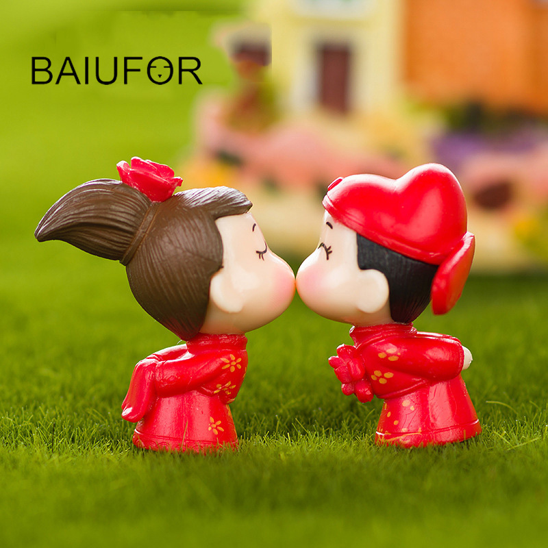 Bride and bridegroom weeding mini figurines terrarium for 7p decoration