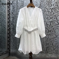 2019 Summer Fashion Jumpsuit Shorts High Quality Ladies V Neck Exquisite Embroidery 3/4 Sleeve Casual White Playsuits Women