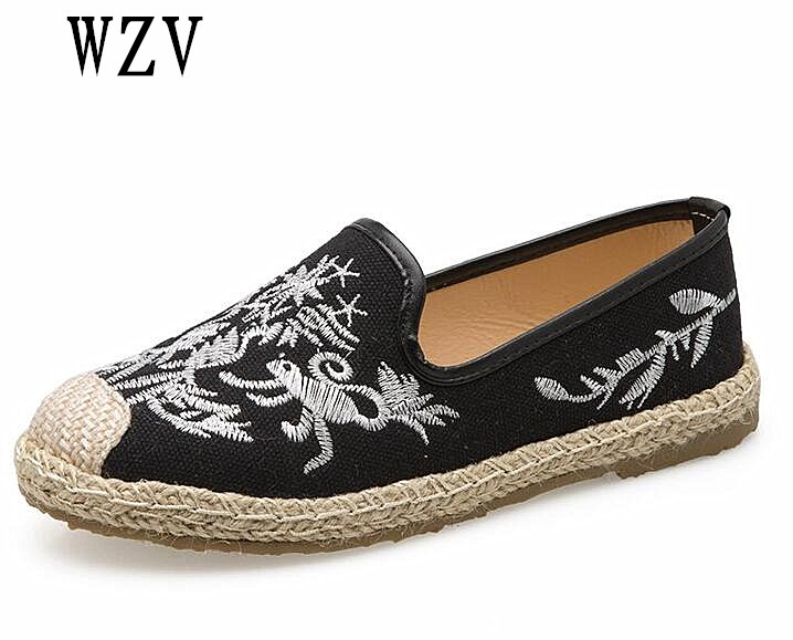 2018 Women fashion embroidery flat shoes female loafers zapatos de mujer lady lazy person shoes soft flats B289 vintage embroidery women flats chinese floral canvas embroidered shoes national old beijing cloth single dance soft flats