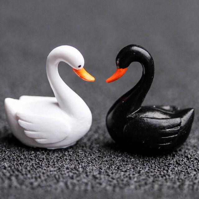 2pc/lot Black White Swan Figurine decoration mini fairy garden animals statue miniature Home Desk ornaments resin craft TNA008