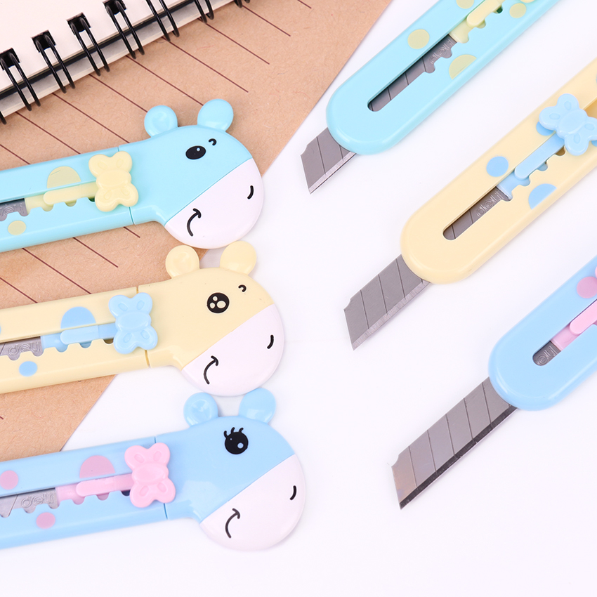 1PC Cute Mini Giraffe Portable Utility Knife Paper Cutter Cutting Paper Razor Blade Office Stationery Escolar Papelaria