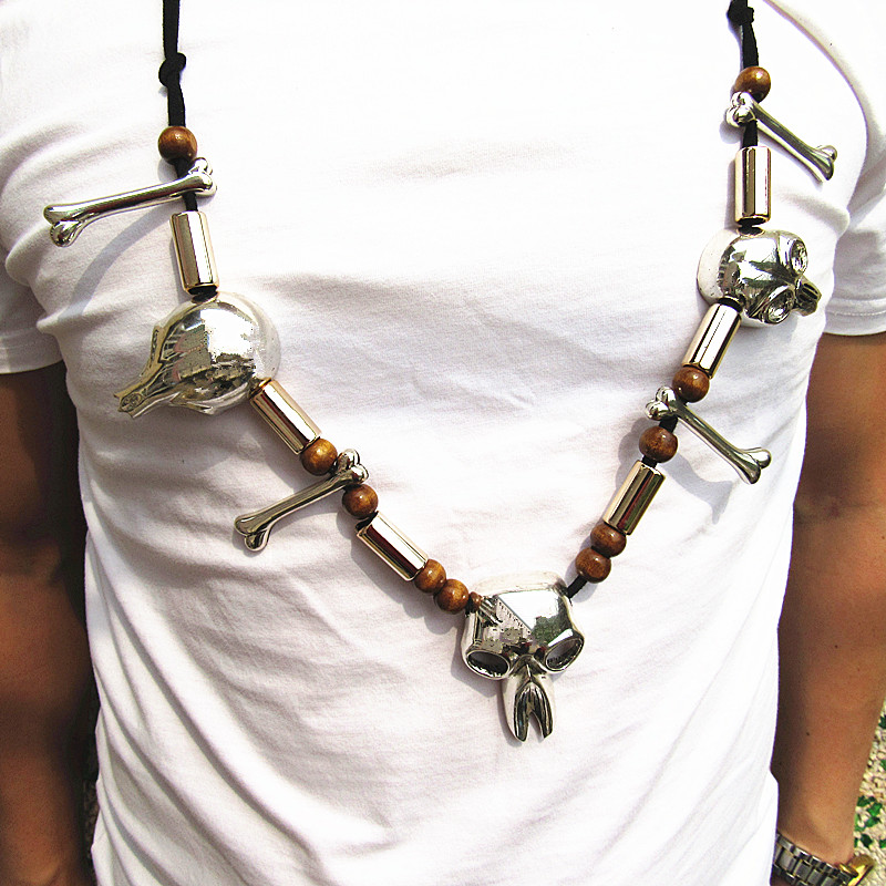 The Predator 2018 Skull Necklace Predator Necklace Cosplay Pendant Bones Necklace hot anime cosplay necklace shugo chara lock and key necklace couple models pendant cosplay prop gifts