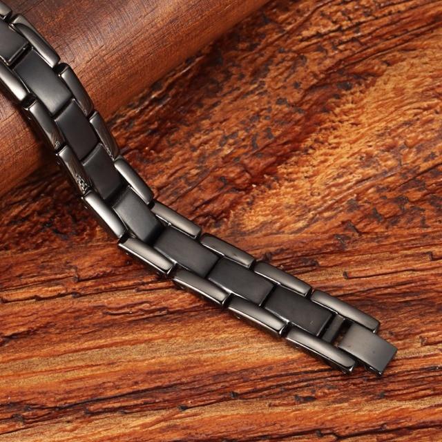 Купить титановый энергетический магнитный браслет бренда welmag черный