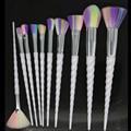 2017 Caliente 10 Unidades Mango Blanco Arco Iris Unicornio de Cosméticos Pinceles de Maquillaje de Pelo de Fábrica Disponible