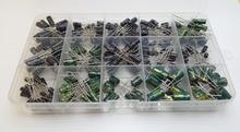 Kit de condensador electrolítico de aluminio, 15 valores en Total, 300 Uds., 16V, 50V, 0,1 uf, 0,22 uf, 0,47 uf, 1uf, 2,2 uf, 3,3 uf, 4,7 uf, 10uf, 22uf, 33uf, 47uf