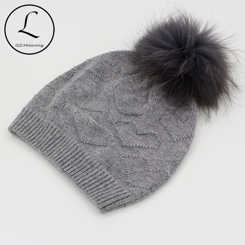 2017 New Arrival Heart Skullies Beanies Solid Winter Hats With Fur Ball Removable Hand Wool Knitted Beanie Pompom Hat Female Cap skullies