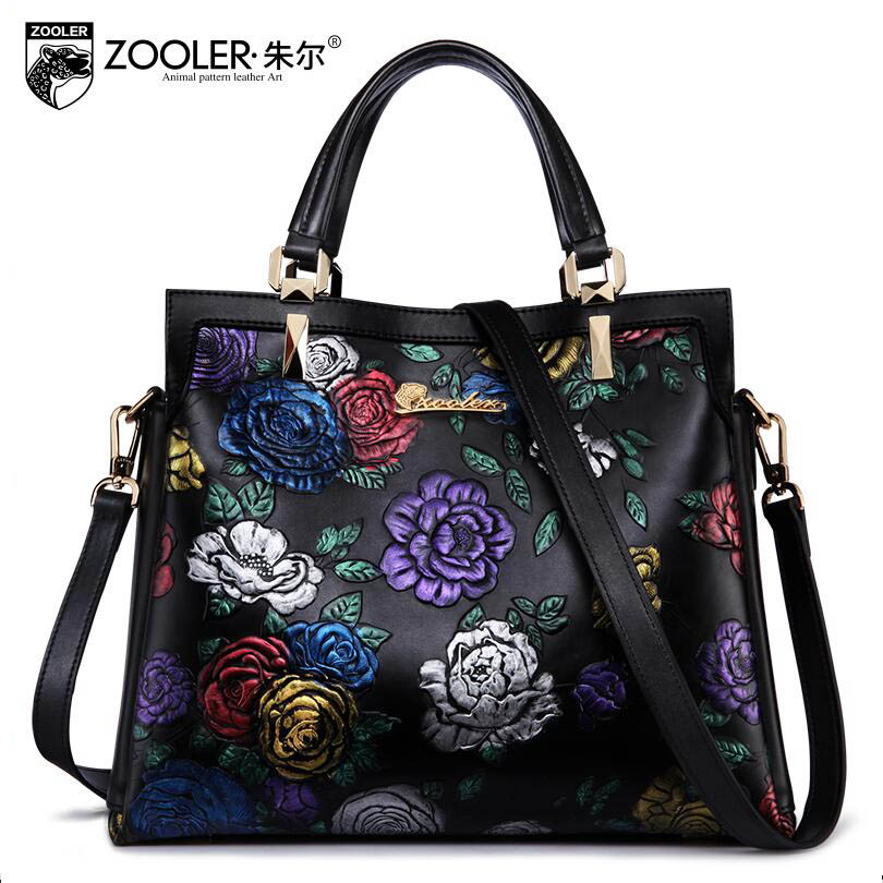 free delivery 2017 new leather European and American fashion large capacity shoulder Messenger bag Temperament embossed handbag