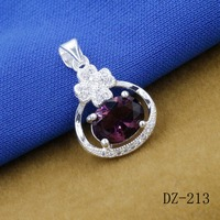 Delicate silver plated clovers Mosaic crystal pendant modern beauty for female charm pendant restoring ancient ways