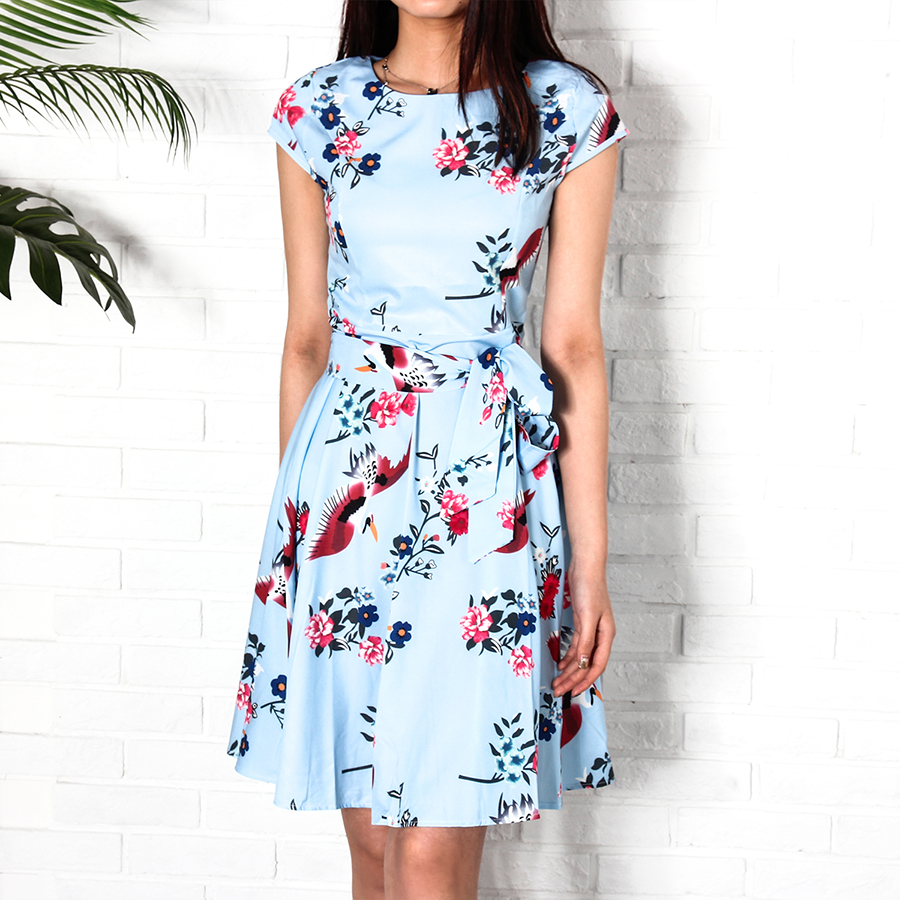 Kaswal nga Short Sleeve Ladies Summer Dress nga May Belt