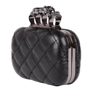 2016 new leather handbag bag retro skull ring clutch bag Messenger bag