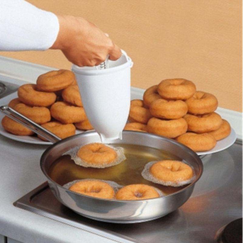 Magic Fast พลาสติก Donut Maker วาฟเฟิลแม่พิมพ์ครัวอุปกรณ์เสริม Bakeware Donut Maker แม่พิมพ์เค้กบิสกิตคุกกี้ DIY เบเกอร...