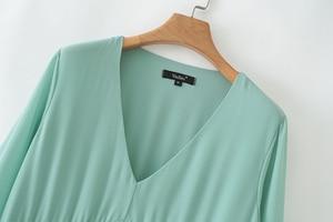 Image 3 - Vadim kobiety do połowy łydki szyfonowa sukienka plisowana V neck z długim rękawem prosto drapowana casual sexy sukienki midi solidna vestidos QB399