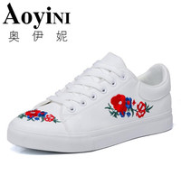 2018 Spring Canvas Shoes Woman Platform Loafers Embroider Creepers Spring Lace Up Flats Casual Flowers Women