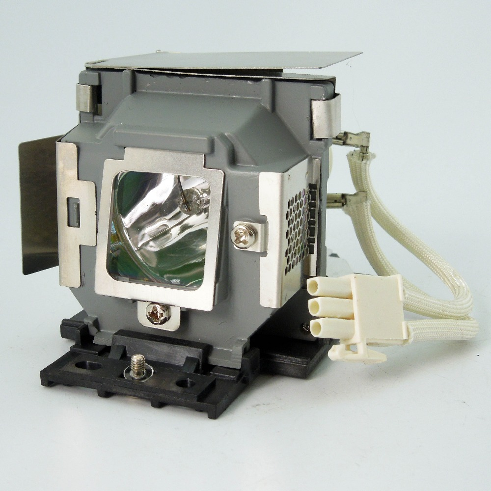 цена Original Projector Lamp SP-LAMP-061 for INFOCUS IN104 / IN105 Projectors