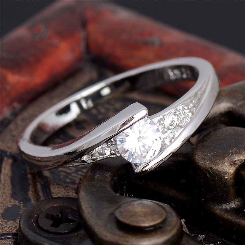 9a80f05dcbf7 Shuangr oro blanco color boda joyería Anillos para las mujeres cristal  compromiso blanco ZIRCON CZ anillo joyería