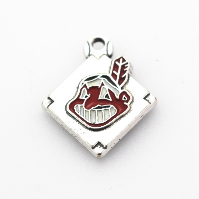 Hot Selling 10pcs/lot American Baseball Sports Cleveland Indians Dangle Charms Diy Jewelry Accessory Bracelet Hanging Charms