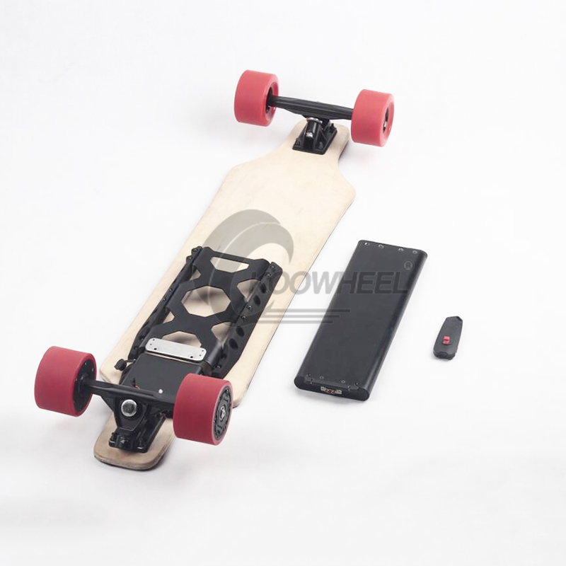 Koowheel 4 Wheels Electric Skateboards Dual Hub-motor 4300mAh 36V Electric Longboard with Remote Controller Replaceable Battery