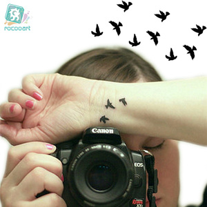 Rocooart HC1073 Women Sexy Finger Wrist Flash Fake Tattoo Stickers Liberty Small Birds Fly Waterproof Temporary Tattoos Sticker