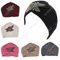 2017 Nuevas Señoras de La Manera de Metal Accesorio Joya Invierno Cálido Knit Beanie Ganchillo Headwrap Turbante Floral Suave Mujeres Del Casquillo Del Sombrero